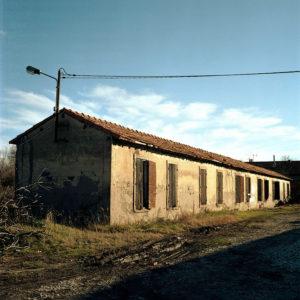 Un des baraquements du quartier de Molinary. Les 24 Chambres sont un bâtiment à l'identique.