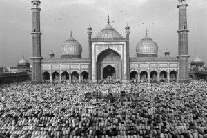 INDIA. Delhi. 1994. Jamaa Masjid mosque. © Abbas /Magnum Photos