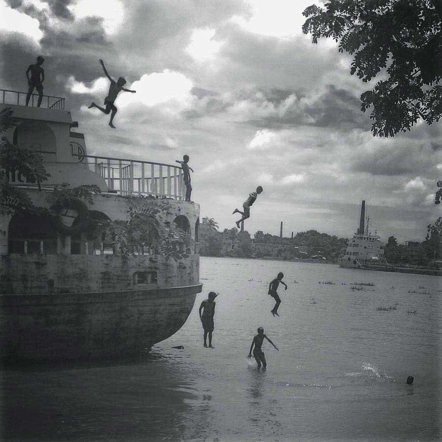 Monirul Alam, River Life