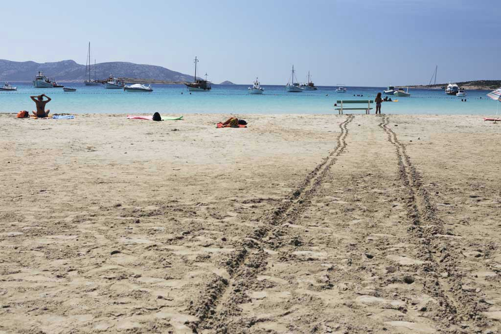 Back to the Cyclades, a trip in Greece - photo essay by Paolo Ruggiero ...