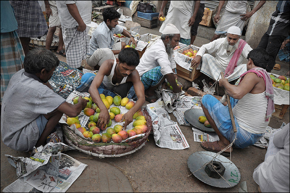 April-May 2015, Kolkata : Majority of the buyers are local fruit sellers who pick up their basket from this wholesale market.