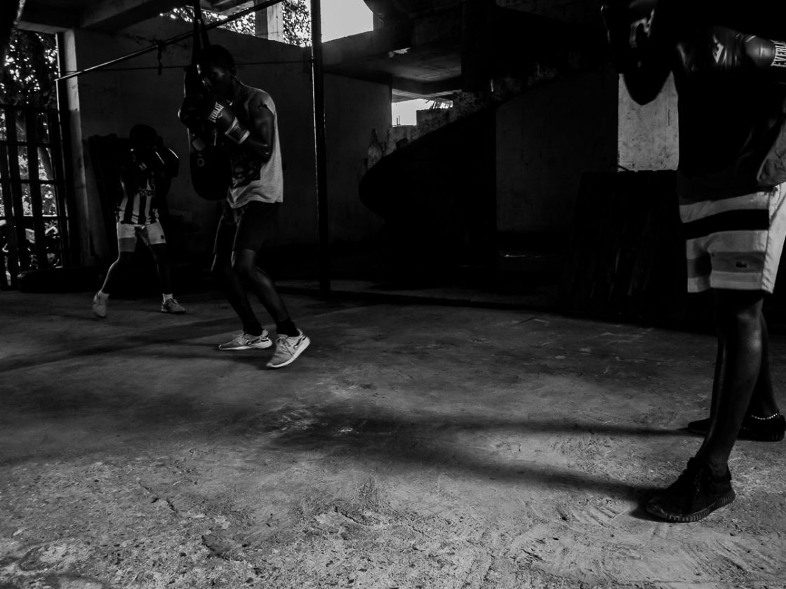 San Andrés, Colombia - October 2016. Training in tandem. Nelson cannot tutor all the students all at once, so has them working on their technique in different areas of the gym, rotating every few minutes.