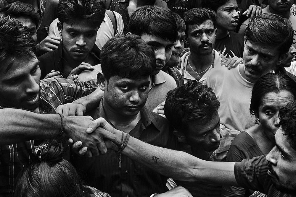 Birati, Kolkata, India - 19th August 2015. Protester were shaking their hands after the hearing the administration's verdict.