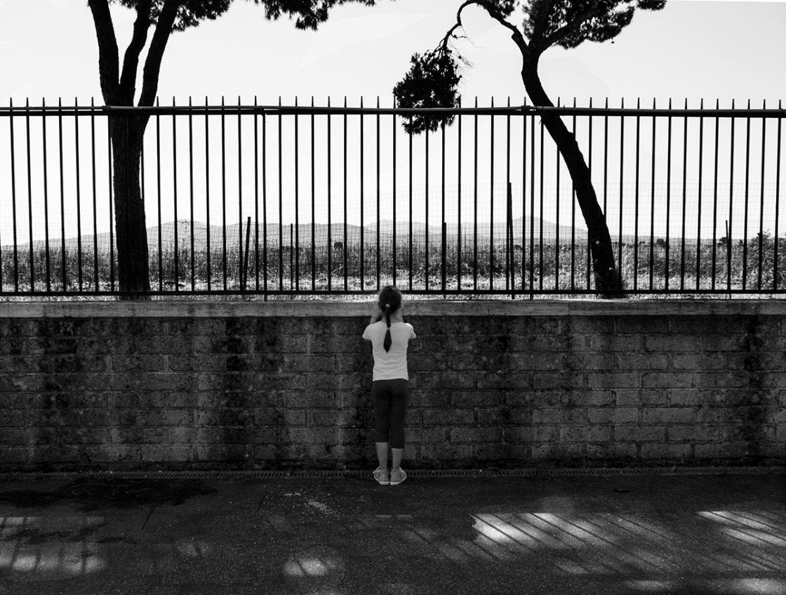 Roma, periferia sud, Giugno 2015. Oltre le mura del suo quartiere