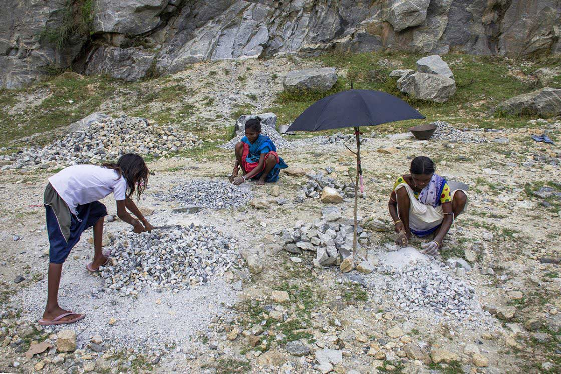 Life in a quarry, photo essay by Dipayan Bose, from Purulia, India.